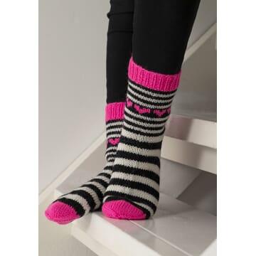 """2104-11a """"Neonhjerte""""-sokken"""