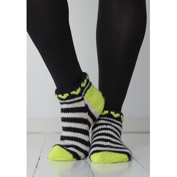 """2104-11b """"Neonhjerte""""-sokken, kort"""